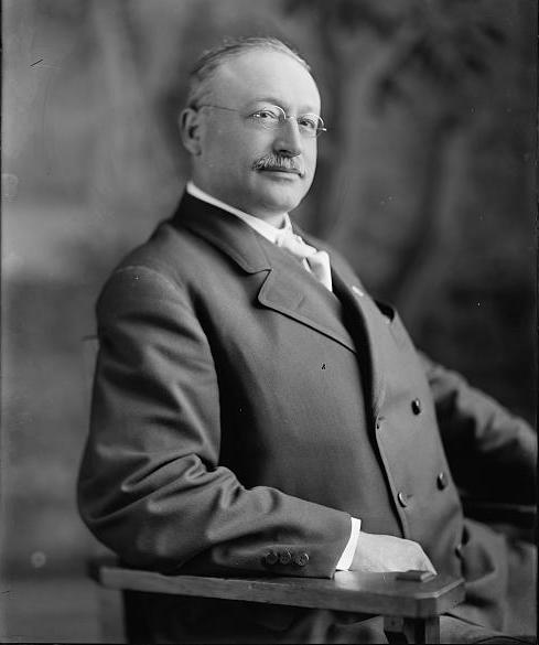 Seated portrait of Victor Berger taken in 1905.