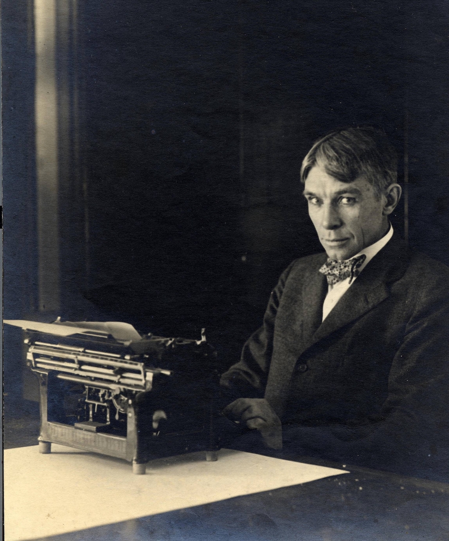 <table class=&quot;lightbox&quot;><tr><td colspan=2 class=&quot;lightbox-title&quot;>Carl Sandburg 1878-1967</td></tr><tr><td colspan=2 class=&quot;lightbox-caption&quot;>Photograph of Carl Sandburg sitting with his typewriter at his home in Illinois, circa 1917-1918.</td></tr><tr><td colspan=2 class=&quot;lightbox-spacer&quot;></td></tr><tr class=&quot;lightbox-detail&quot;><td class=&quot;cell-title&quot;>Source: </td><td class=&quot;cell-value&quot;>From the National Park Service, Carl Sandburg Home National Historic Site.<br /><a href=&quot;https://www.nps.gov/media/photo/gallery.htm?id=8AFD5D40-1DD8-B71C-078929D4992651E2&quot; target=&quot;_blank&quot;>National Park Service</a></td></tr><tr class=&quot;filler-row&quot;><td colspan=2>&nbsp;</td></tr></table>