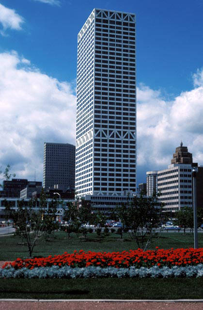 Photograph of the U.S. Bank Center from Lakefront Park taken in 1985.