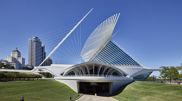 Photograph featuring a profile view of the Milwaukee Art Museum.