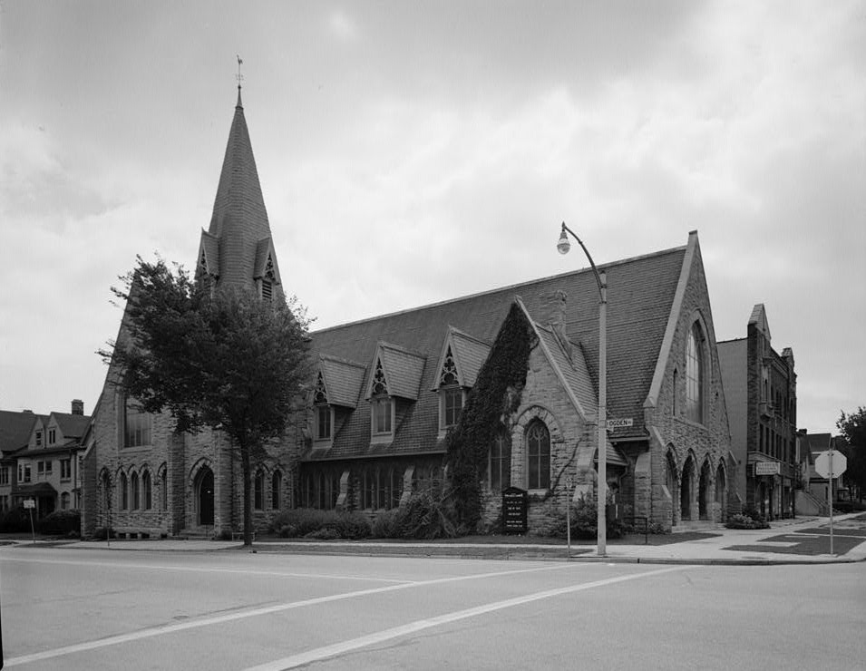 Photograph of Milwaukee's First Unitarian Society. Established in 1892, it is the faith's oldest gathering space.