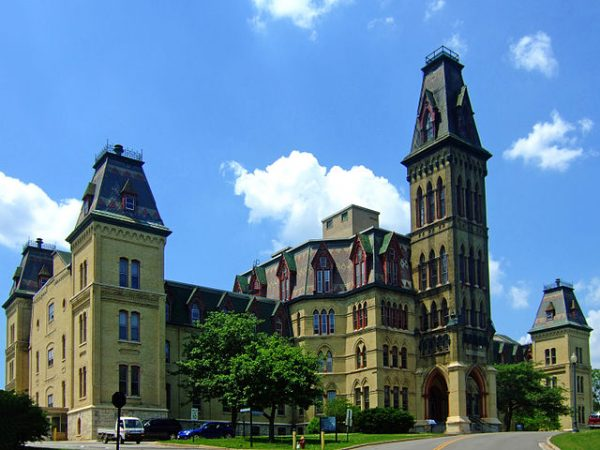 Photograph of the historic main building of Milwaukee's National Home for Disabled Volunteer Soldiers, built in 1869.