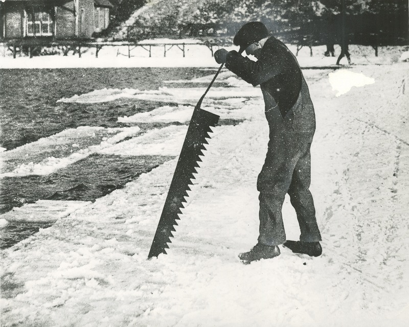 <table class=&quot;lightbox&quot;><tr><td colspan=2 class=&quot;lightbox-title&quot;>River Ice Cutter</td></tr><tr><td colspan=2 class=&quot;lightbox-caption&quot;>20th century photograph of a man cutting chunks of ice from a river with a large saw. </td></tr><tr><td colspan=2 class=&quot;lightbox-spacer&quot;></td></tr><tr class=&quot;lightbox-detail&quot;><td class=&quot;cell-title&quot;>Source: </td><td class=&quot;cell-value&quot;>From the Historic Photo Archive of the Milwaukee Public Library. Reprinted with permission. <br /><a href=&quot;http://content.mpl.org/cdm/singleitem/collection/HstoricPho/id/4363/rec/4&quot; target=&quot;_blank&quot;>Milwaukee Public Library</a></td></tr><tr class=&quot;filler-row&quot;><td colspan=2>&nbsp;</td></tr></table>