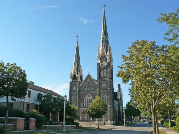 St. John's Evangelical was built between 1889 and 1890 to accommodate its growing congregation. It is a renowned example of Gothic architecture in Milwaukee.