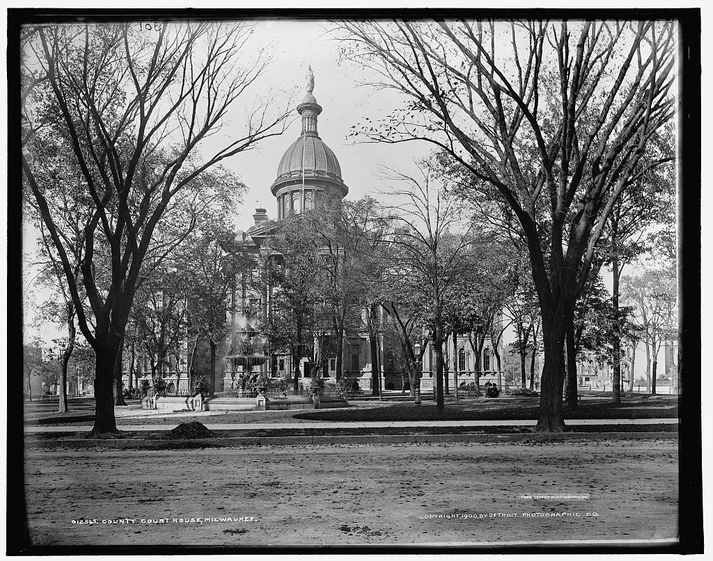 The second Milwaukee County Courthouse, pictured around 1900.