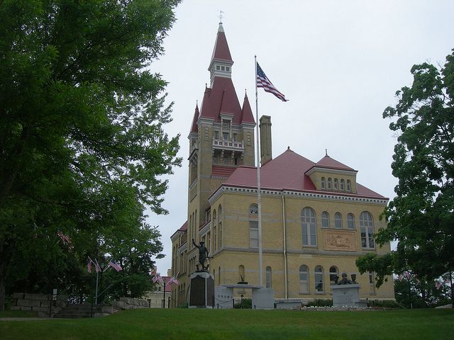 <table class=&quot;lightbox&quot;><tr><td colspan=2 class=&quot;lightbox-title&quot;>Old Washington County Courthouse</td></tr><tr><td colspan=2 class=&quot;lightbox-caption&quot;>Washington County's 1889 courthouse, now home to the Washington County Historical Society and the Old Courthouse Museum.</td></tr><tr><td colspan=2 class=&quot;lightbox-spacer&quot;></td></tr><tr class=&quot;lightbox-detail&quot;><td class=&quot;cell-title&quot;>Source: </td><td class=&quot;cell-value&quot;>From Flickr. Photograph by Jimmy Emerson.<br /><a href=&quot;https://www.flickr.com/photos/auvet/5858664120/in/album-72057594048873697/&quot; target=&quot;_blank&quot;>Flickr</a></td></tr><tr class=&quot;filler-row&quot;><td colspan=2>&nbsp;</td></tr></table>