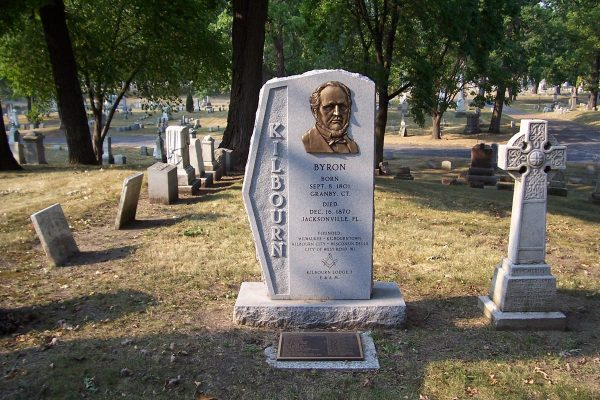 A 2005 photograph of Byron Kilbourn's tombstone, located in Milwaukee's Forest Home Cemetery.