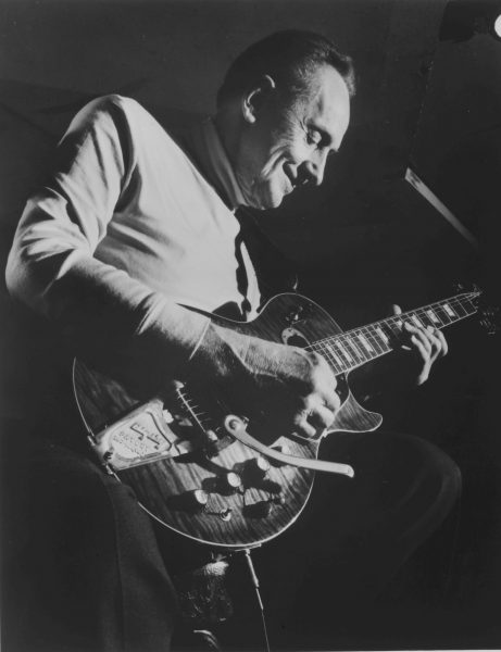 Legendary guitarist Les Paul performs in New York City in the 1980s.