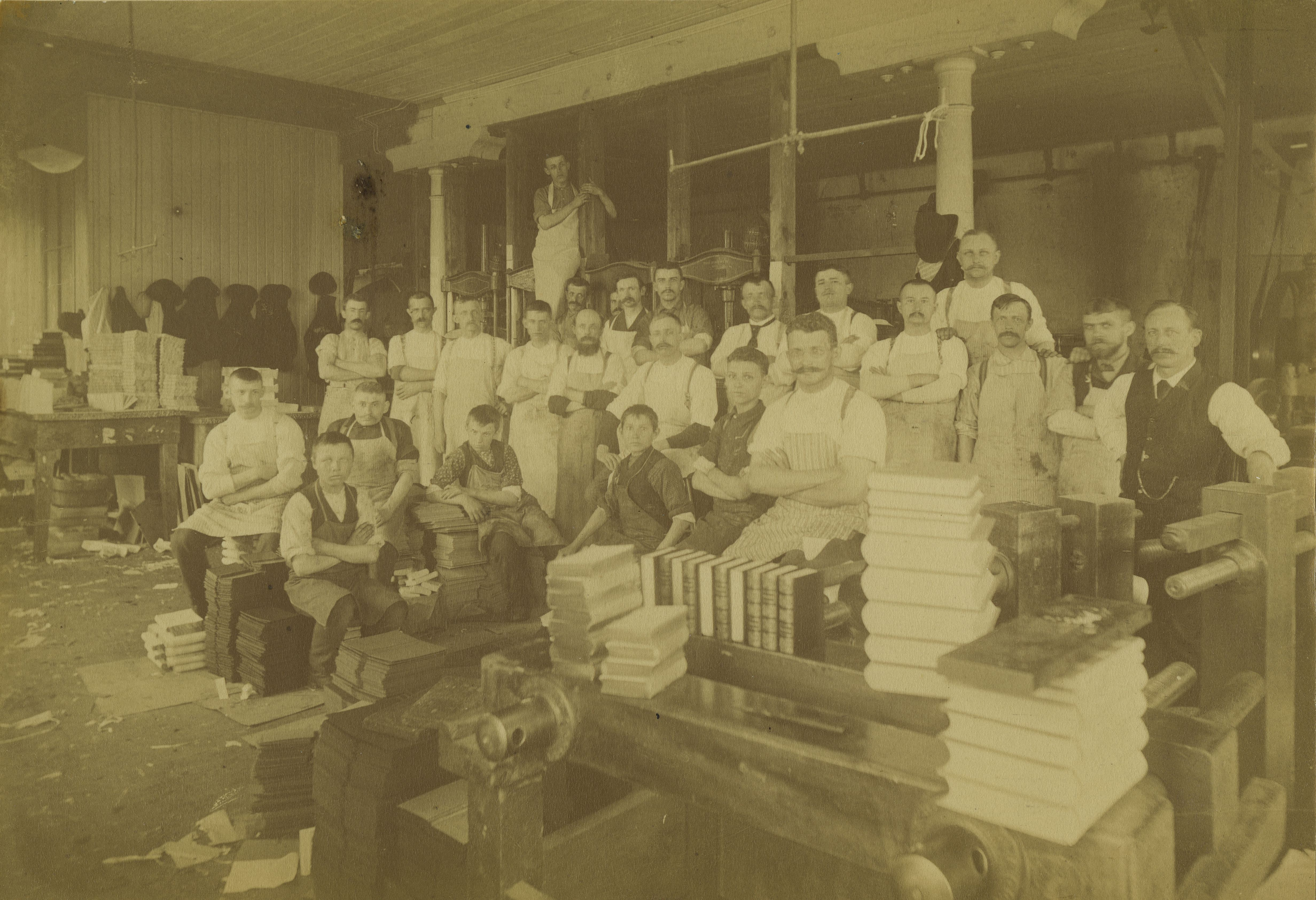 <table class=&quot;lightbox&quot;><tr><td colspan=2 class=&quot;lightbox-title&quot;>Brumder Publishing Company</td></tr><tr><td colspan=2 class=&quot;lightbox-caption&quot;>The employees of the prominent Brumder Publishing Company pose for a photograph in 1890. </td></tr><tr><td colspan=2 class=&quot;lightbox-spacer&quot;></td></tr><tr class=&quot;lightbox-detail&quot;><td class=&quot;cell-title&quot;>Source: </td><td class=&quot;cell-value&quot;>From the Historic Photo Collection of the Milwaukee Public Library. <br /><a href=&quot;http://content.mpl.org/cdm/singleitem/collection/HstoricPho/id/2417/rec/1&quot; target=&quot;_blank&quot;>Milwaukee Public Library</a></td></tr><tr class=&quot;filler-row&quot;><td colspan=2>&nbsp;</td></tr></table>