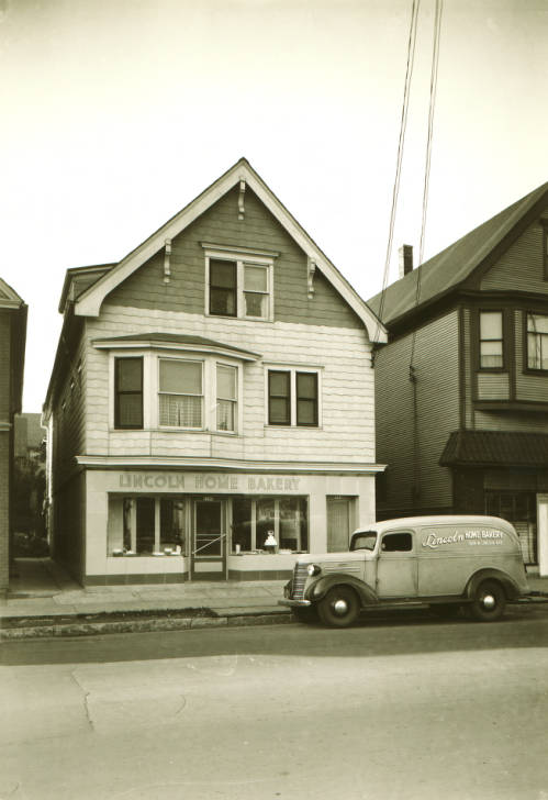 <table class=&quot;lightbox&quot;><tr><td colspan=2 class=&quot;lightbox-title&quot;>Lincoln Home Bakery</td></tr><tr><td colspan=2 class=&quot;lightbox-caption&quot;>Pictured here in 1936, the Lincoln Home Bakery is an example of one of the many small bakeries once found around Milwaukee.</td></tr><tr><td colspan=2 class=&quot;lightbox-spacer&quot;></td></tr><tr class=&quot;lightbox-detail&quot;><td class=&quot;cell-title&quot;>Source: </td><td class=&quot;cell-value&quot;>From the Roman B. Kwaniewski Photographs Collection, Archives. University of Wisconsin-Milwaukee Libraries.<br /><a href=&quot;https://collections.lib.uwm.edu/digital/collection/mke-polonia/id/37613/rec/6&quot; target=&quot;_blank&quot;>University of Wisconsin-Milwaukee Libraries</a></td></tr><tr class=&quot;filler-row&quot;><td colspan=2>&nbsp;</td></tr></table>