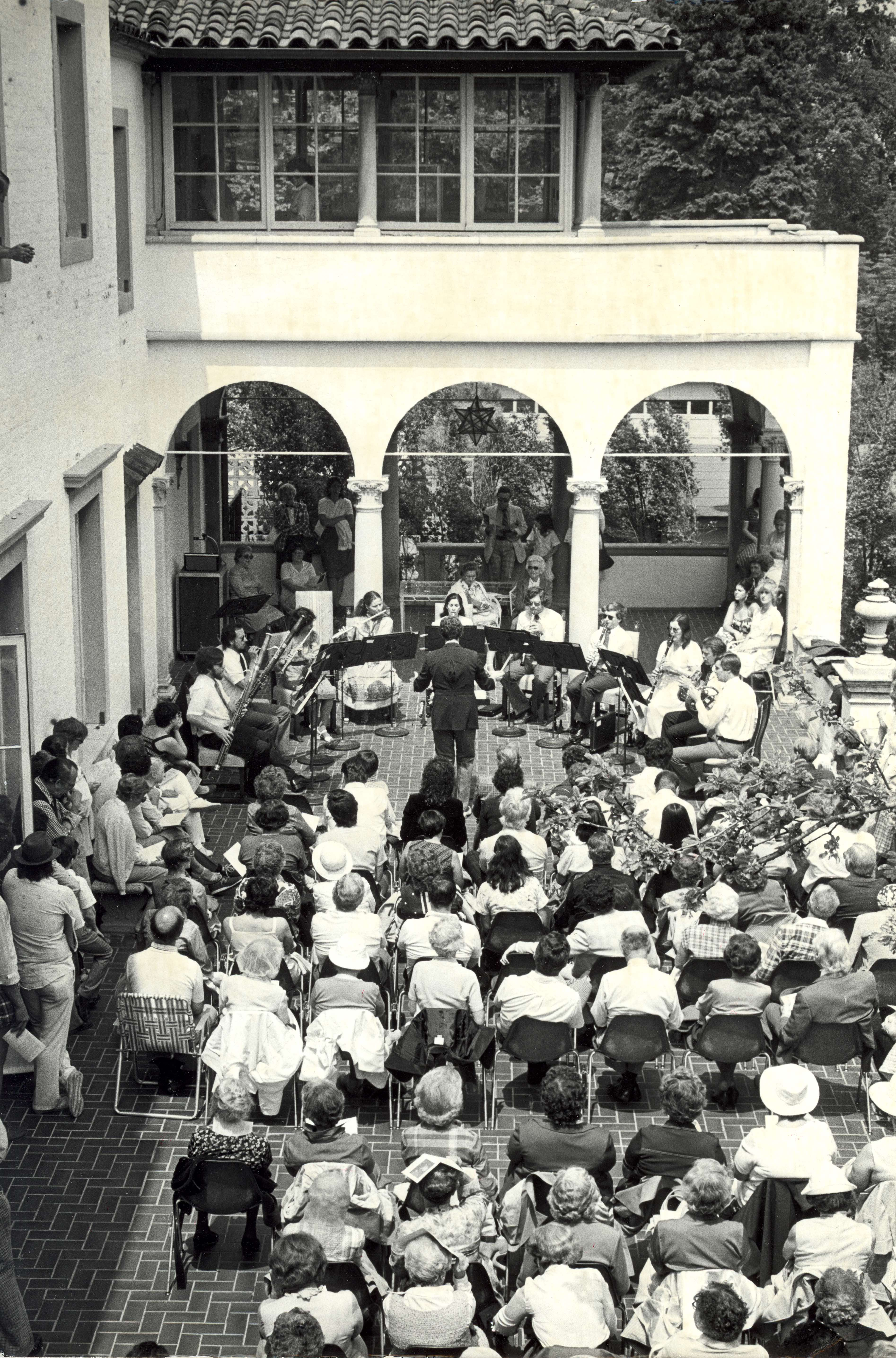 <table class=&quot;lightbox&quot;><tr><td colspan=2 class=&quot;lightbox-title&quot;>Milwaukee Chamber Orchestra</td></tr><tr><td colspan=2 class=&quot;lightbox-caption&quot;>The Milwaukee Chamber Orchestra performs for an audience gathered on a Villa Terrace patio. </td></tr><tr><td colspan=2 class=&quot;lightbox-spacer&quot;></td></tr><tr class=&quot;lightbox-detail&quot;><td class=&quot;cell-title&quot;>Source: </td><td class=&quot;cell-value&quot;>From the Historic Photo Collection of the Milwaukee Public Library. Reprinted with permission.<br /><a href=&quot;http://content.mpl.org/cdm/singleitem/collection/HstoricPho/id/1007/rec/1&quot; target=&quot;_blank&quot;>Milwaukee Public Library</a></td></tr><tr class=&quot;filler-row&quot;><td colspan=2>&nbsp;</td></tr></table>