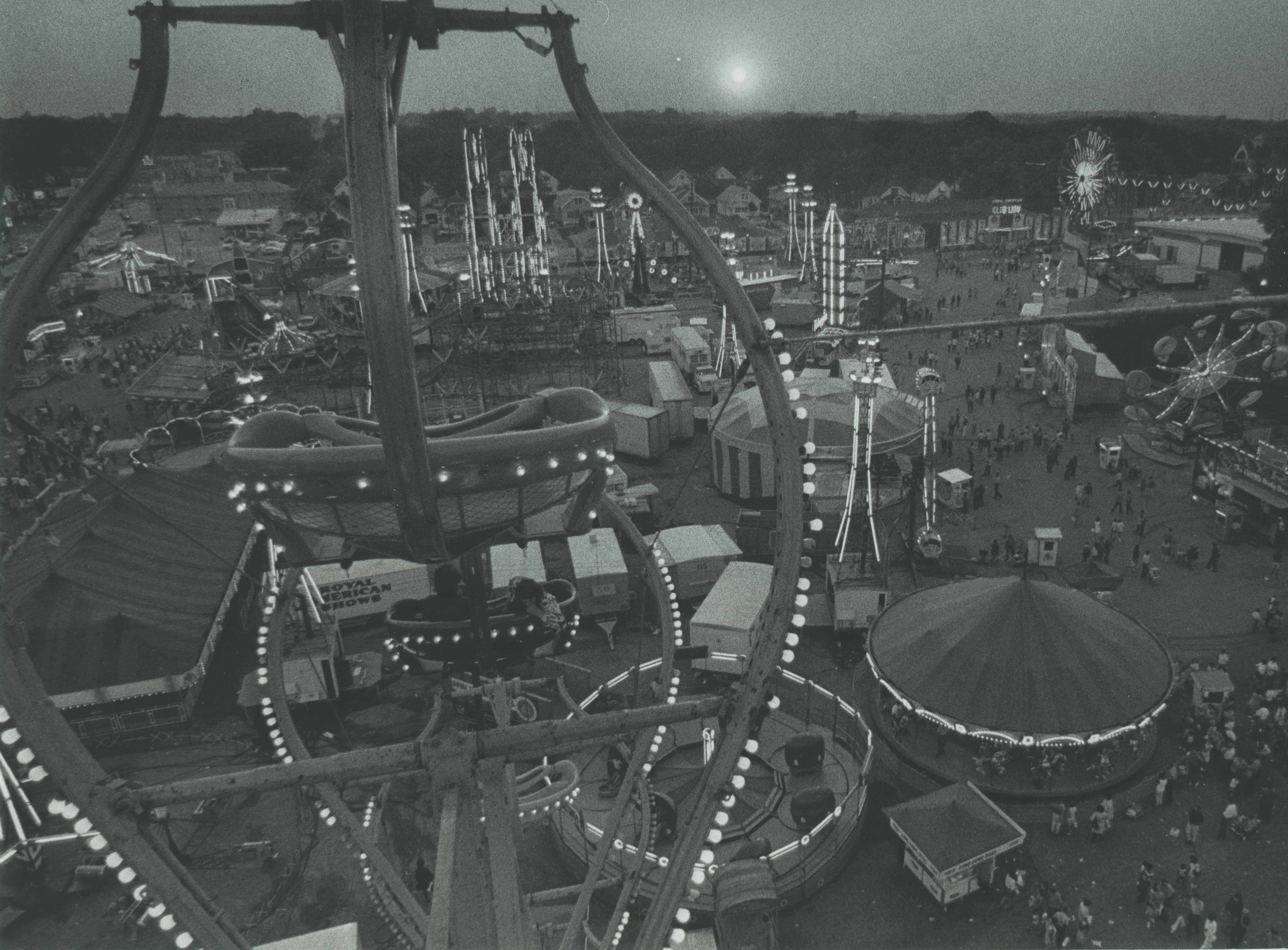 <table class=&quot;lightbox&quot;><tr><td colspan=2 class=&quot;lightbox-title&quot;>State Fair in the Evening</td></tr><tr><td colspan=2 class=&quot;lightbox-caption&quot;>A view of the Wisconsin State Fair from atop the giant Ferris Wheel in 1971.</td></tr><tr><td colspan=2 class=&quot;lightbox-spacer&quot;></td></tr><tr class=&quot;lightbox-detail&quot;><td class=&quot;cell-title&quot;>Source: </td><td class=&quot;cell-value&quot;>From the Historic Photo Collection of the Milwaukee Public Library. Reprinted with permission.<br /><a href=&quot;http://content.mpl.org/cdm/singleitem/collection/HstoricPho/id/6063/rec/36&quot; target=&quot;_blank&quot;>Milwaukee Public Library</a></td></tr><tr class=&quot;filler-row&quot;><td colspan=2>&nbsp;</td></tr></table>