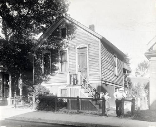 Photograph of a Milwaukee Polish flat owned by Joseph Knapinski, pictured here in 1939.