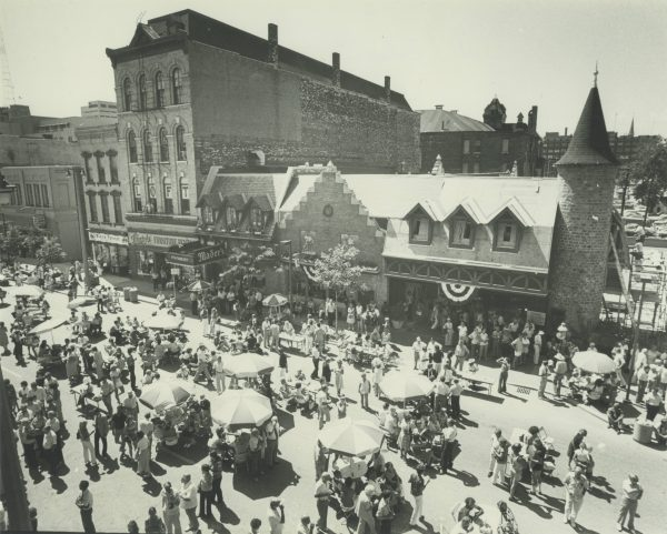 In August 1980, Usinger's Famous Sausage celebrated its 100th year of business with a block party.