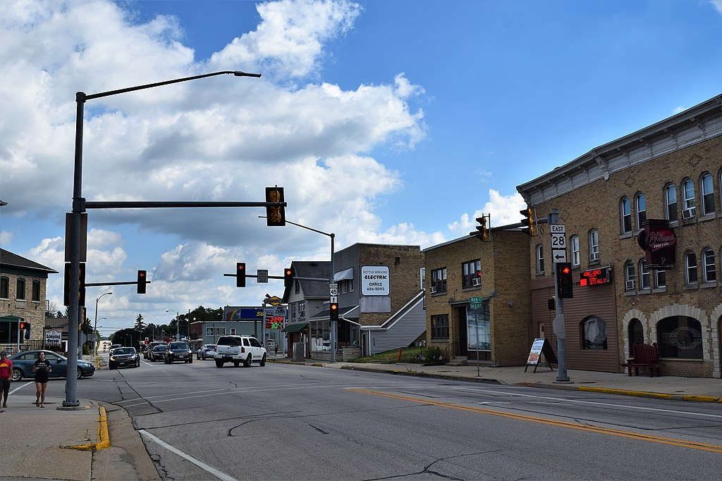 This 2018 photograph showcases the intersection of U.S. Route 41 and Wisconsin Highway 28 in Kewaskum.