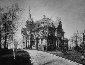 The Emil Schandein mansion stood on 24th and Wisconsin Avenue from 1889 to 1927. Schandein was married to Lisette Best, granddaughter of Milwaukee brewing pioneer Jacob Best.