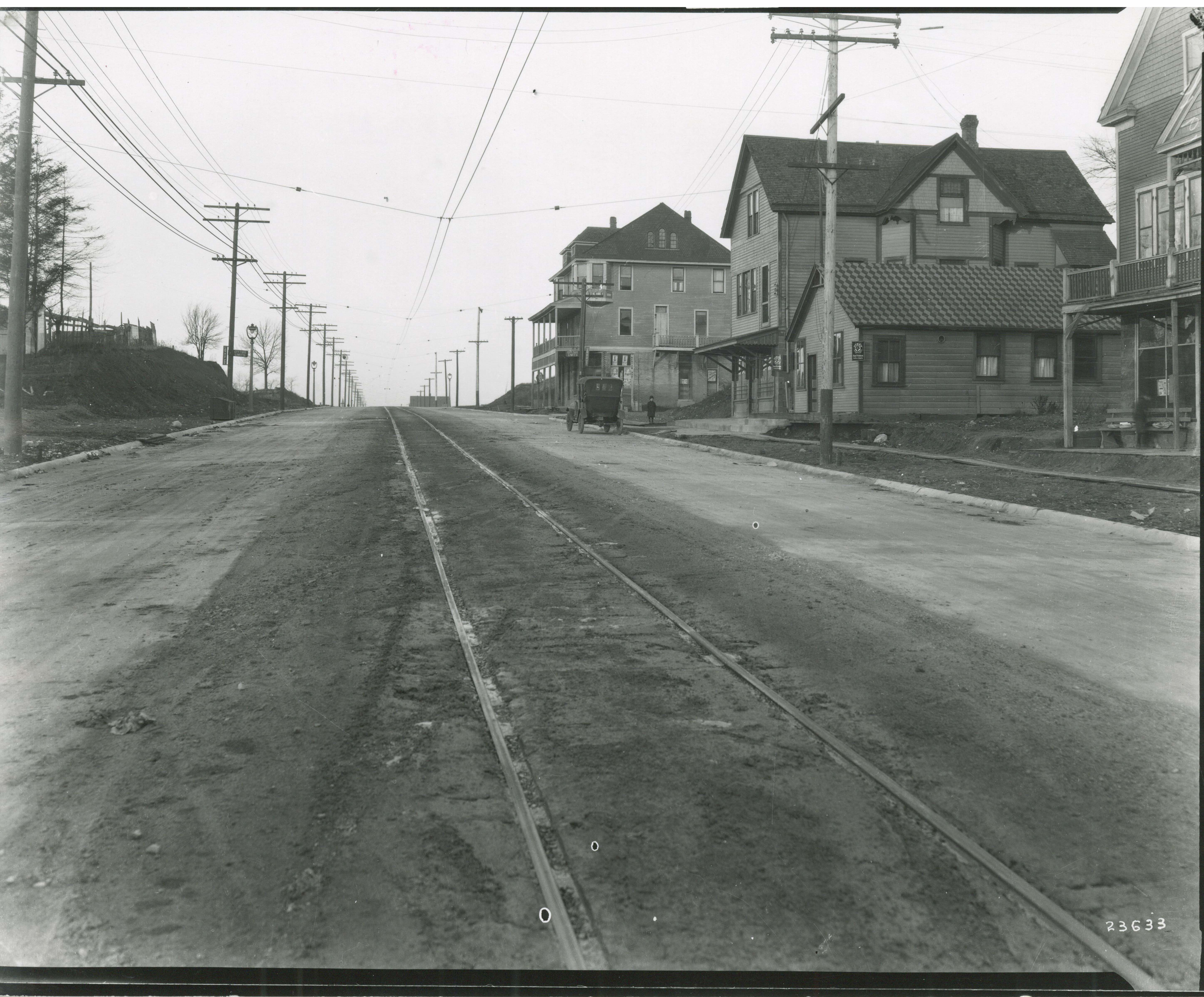 <table class=&quot;lightbox&quot;><tr><td colspan=2 class=&quot;lightbox-title&quot;>Oakland Avenue in Shorewood</td></tr><tr><td colspan=2 class=&quot;lightbox-caption&quot;>The village of Shorewood developed along the Oakland Avenue streetcar line, pictured here at E. Newton Avenue in the early 20th century.</td></tr><tr><td colspan=2 class=&quot;lightbox-spacer&quot;></td></tr><tr class=&quot;lightbox-detail&quot;><td class=&quot;cell-title&quot;>Source: </td><td class=&quot;cell-value&quot;>From the Historic Photo Collection of the Milwaukee Public Library. Reprinted with permission.<br /><a href=&quot;http://content.mpl.org/cdm/singleitem/collection/HstoricPho/id/7133/rec/20&quot; target=&quot;_blank&quot;>Milwaukee Public Library</a></td></tr><tr class=&quot;filler-row&quot;><td colspan=2>&nbsp;</td></tr></table>