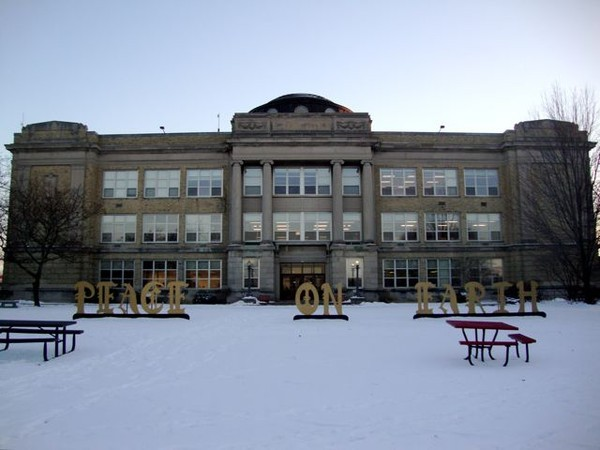 <table class=&quot;lightbox&quot;><tr><td colspan=2 class=&quot;lightbox-title&quot;>Shorewood High School</td></tr><tr><td colspan=2 class=&quot;lightbox-caption&quot;>Shorewood High School is unique in that classes are held in multiple separate buildings on campus. The first building, pictured here, was completed in 1925. </td></tr><tr><td colspan=2 class=&quot;lightbox-spacer&quot;></td></tr><tr class=&quot;lightbox-detail&quot;><td class=&quot;cell-title&quot;>Source: </td><td class=&quot;cell-value&quot;>From the Wikimedia Commons. Photograph by Bob Thurmon. CC BY-SA 3.0.<br /><a href=&quot;https://commons.wikimedia.org/wiki/File:Shorewood_High_School_Photo_Winter.jpg&quot; target=&quot;_blank&quot;>Wikimedia Commons</a></td></tr><tr class=&quot;filler-row&quot;><td colspan=2>&nbsp;</td></tr></table>
