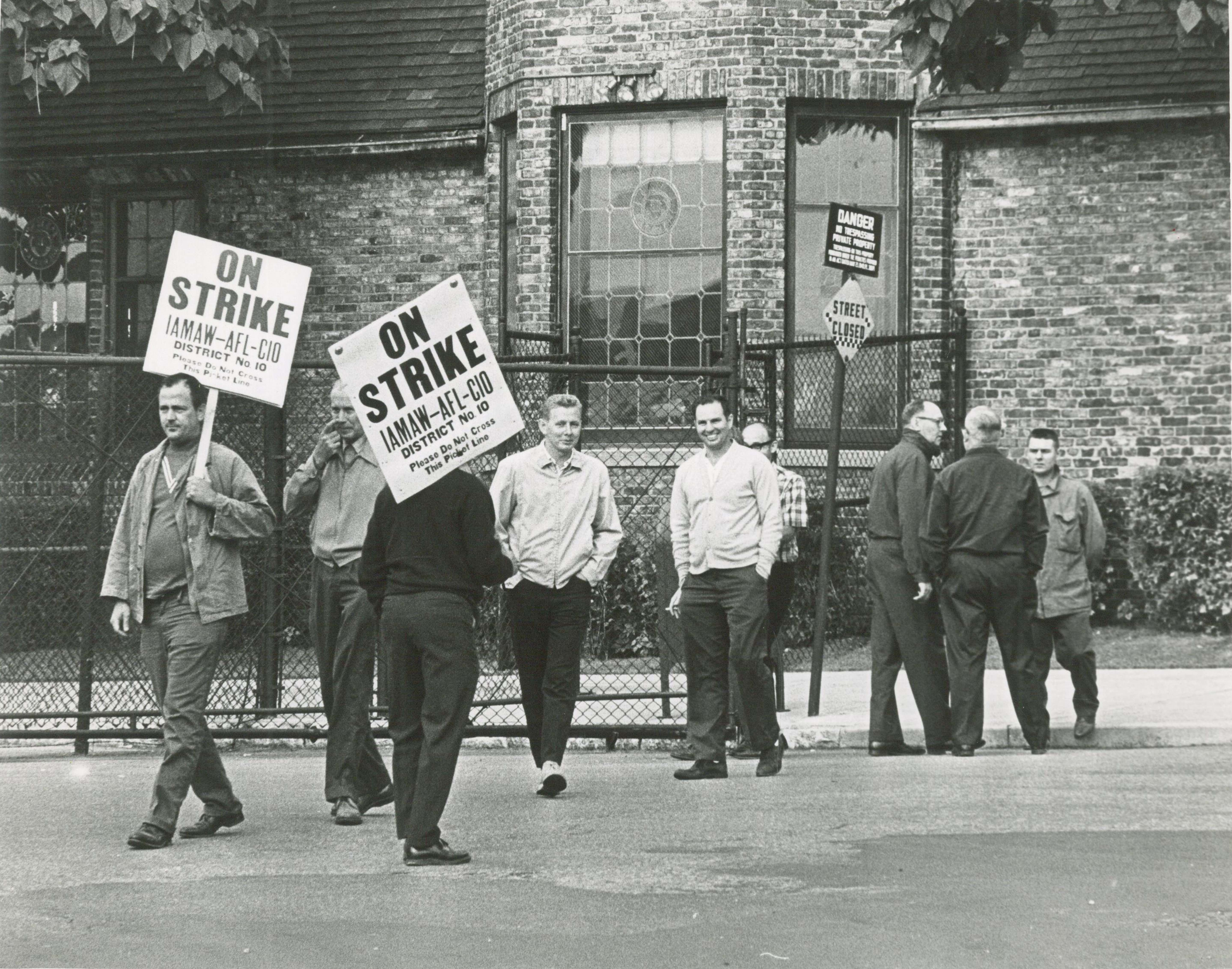 <table class=&quot;lightbox&quot;><tr><td colspan=2 class=&quot;lightbox-title&quot;>IAMAW-AFL-CIO Strike</td></tr><tr><td colspan=2 class=&quot;lightbox-caption&quot;>Members of  International Assoc. of Machinists &amp; Aerospace Workers (IAMAW)-AFL-CIO picket with signs in 1968.</td></tr><tr><td colspan=2 class=&quot;lightbox-spacer&quot;></td></tr><tr class=&quot;lightbox-detail&quot;><td class=&quot;cell-title&quot;>Source: </td><td class=&quot;cell-value&quot;>From the Historic Photo Library of the Milwaukee Public Library. Reprinted with permission.<br /><a href=&quot;http://content.mpl.org/cdm/singleitem/collection/HstoricPho/id/3946/rec/49&quot; target=&quot;_blank&quot;>Milwaukee Public Library</a></td></tr><tr class=&quot;filler-row&quot;><td colspan=2>&nbsp;</td></tr></table>