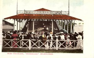 This postcard, circa 1906, features a crowd of people gathered around an attraction at the Wonderland amusement park in Shorewood.
