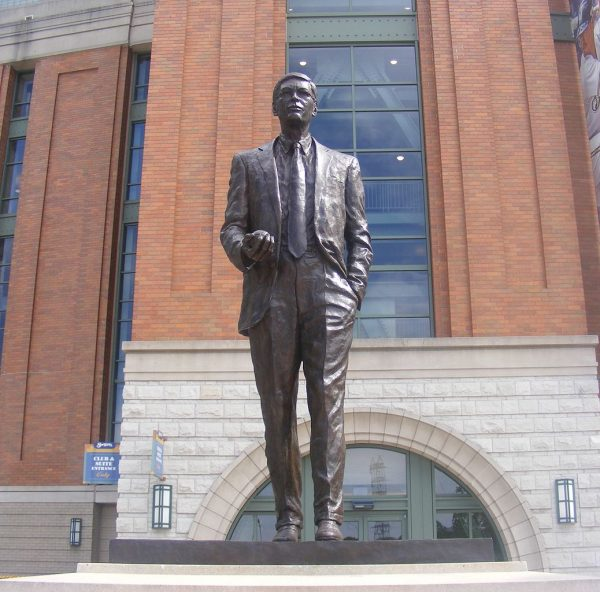 In 2010, a statue was dedicated outside Miller Park to honor former Brewers' owner and Major League Baseball commissioner Bud Selig.
