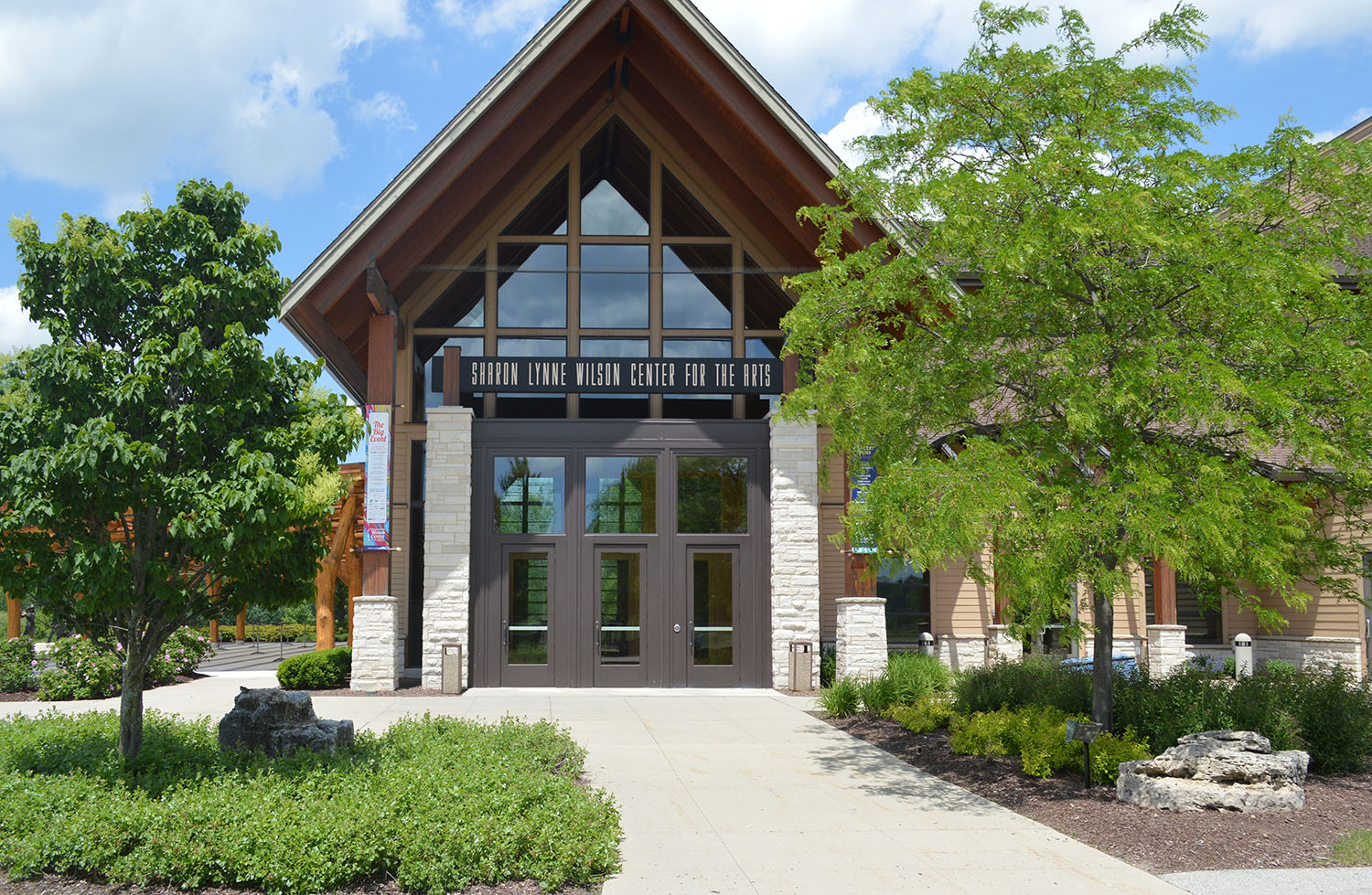 The Sharon Lynne Wilson Center for the Arts, located in Brookfield, provides a wide range of arts-orientated educational and recreational opportunities for its area community members.